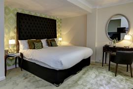 barons-court-hotel-bedrooms-11-83960
