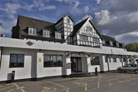barons-court-hotel-grounds-and-hotel-23-83960