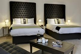 barons-court-hotel-bedrooms-15-83960