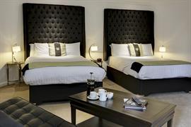 barons-court-hotel-bedrooms-15-83960