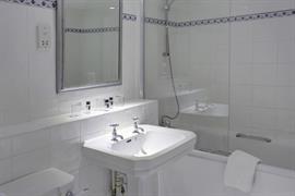 barons-court-hotel-bedrooms-17-83960