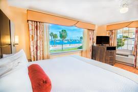 10373_002_Guestroom