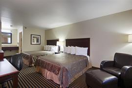 05635_006_Guestroom
