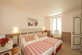 93095_001_Guestroom