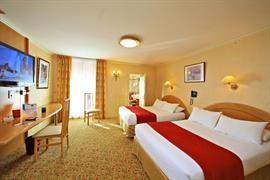 93559_001_Guestroom
