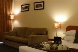 97329_003_Guestroom