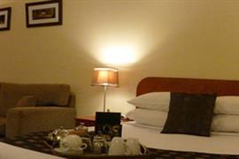 97329_007_Guestroom