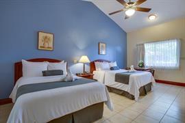 70302_005_Guestroom