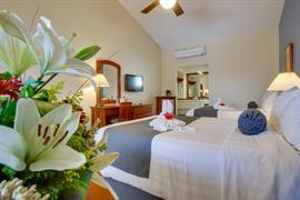 70302_007_Guestroom