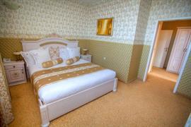 77565_006_Guestroom