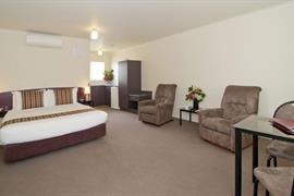 85468_005_Guestroom