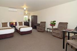 85468_006_Guestroom