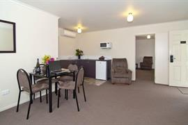 85468_007_Guestroom