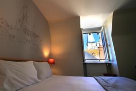 93837_006_Guestroom