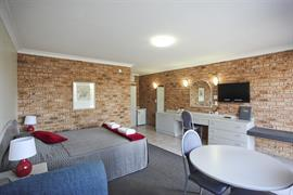 90541_001_Guestroom