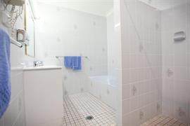 90541_003_Guestroom