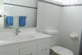 90541_005_Guestroom