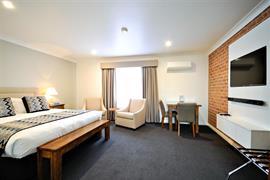 97454_002_Guestroom