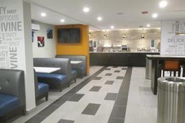 18110_006_Restaurant