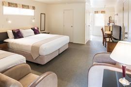 85064_005_Guestroom
