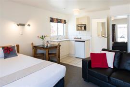 85064_006_Guestroom