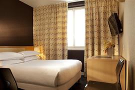 93307_003_Guestroom