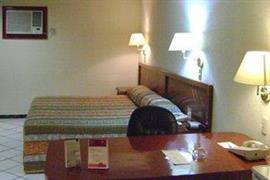 70164_006_Guestroom