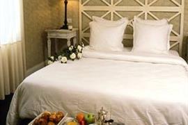 93597_002_Guestroom