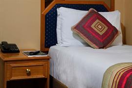 burns-hotel-bedrooms-17-83801