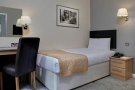 burns-hotel-bedrooms-21-83801