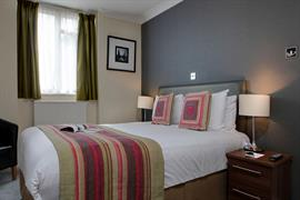 burns-hotel-bedrooms-22-83801