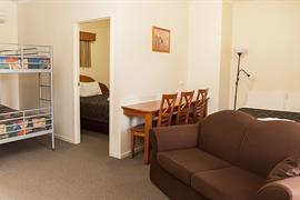 97447_006_Guestroom