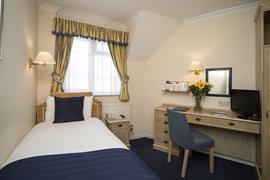 calcot-hotel-bedrooms-19-83831