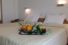 77710_006_Guestroom