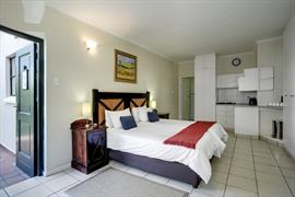75023_006_Guestroom