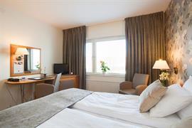 88154_001_Guestroom