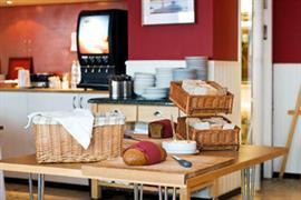 88154_002_Restaurant