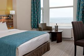 carlton-hotel-bedrooms-05-83802