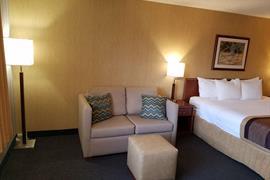48122_006_Guestroom