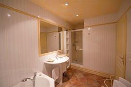93440_006_Guestroom