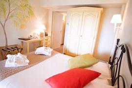 93440_007_Guestroom