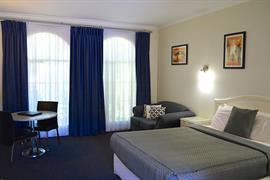 90665_006_Guestroom