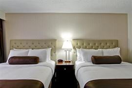 61033_007_Guestroom