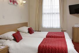 cedars-hotel-and-restaurant-bedrooms-02-84231