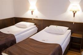 77547_005_Guestroom