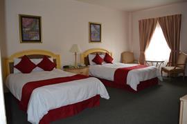 70172_002_Guestroom