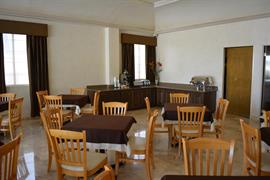 70172_005_Restaurant