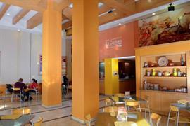 70143_004_Restaurant