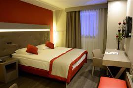 94023_001_Guestroom