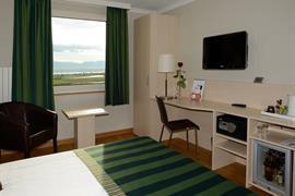 94023_003_Guestroom